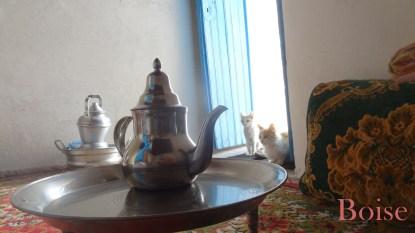 et la tradition du thé toujours